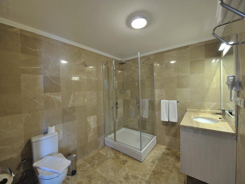 https://aventur.ro/assets/media/imagini_hoteluri/BOBEST/DOM_3101.jpg