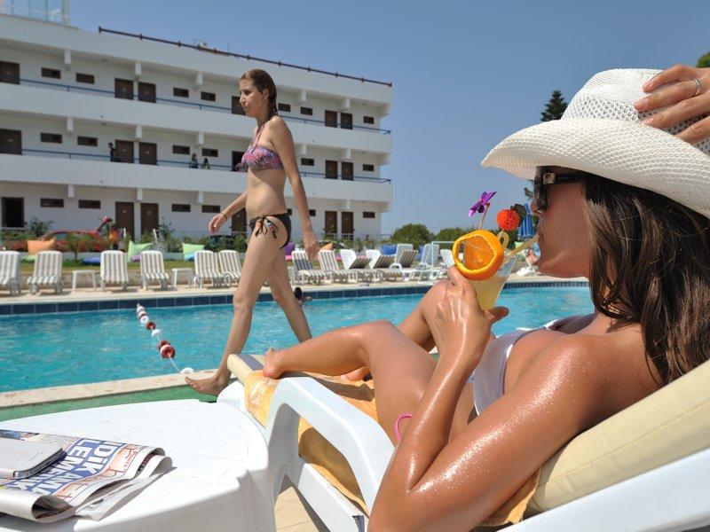 https://aventur.ro/assets/media/imagini_hoteluri/BOBEST/DOM_9224.jpg
