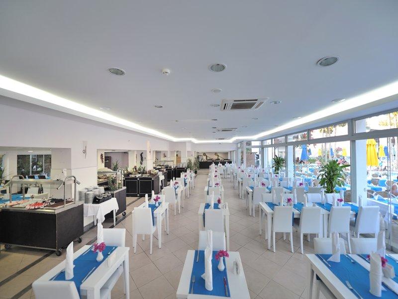 https://aventur.ro/assets/media/imagini_hoteluri/BOBITZ/restaurant,_bar_2.jpg