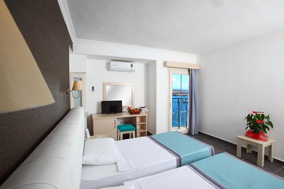 https://aventur.ro/assets/media/imagini_hoteluri/BOBODB/BOBODB-HotelPict7-18259.jpg