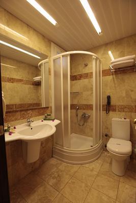 https://aventur.ro/assets/media/imagini_hoteluri/BOCACF/BOCACF-HotelPict7-17059.jpg