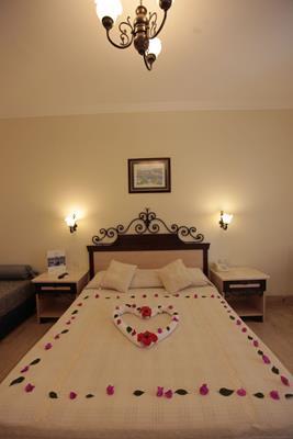 https://aventur.ro/assets/media/imagini_hoteluri/BOCACF/BOCACF-HotelPict8-17060.jpg