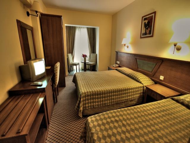 https://aventur.ro/assets/media/imagini_hoteluri/BOEKEN/BOEKEN-HotelPict6-1657.jpg