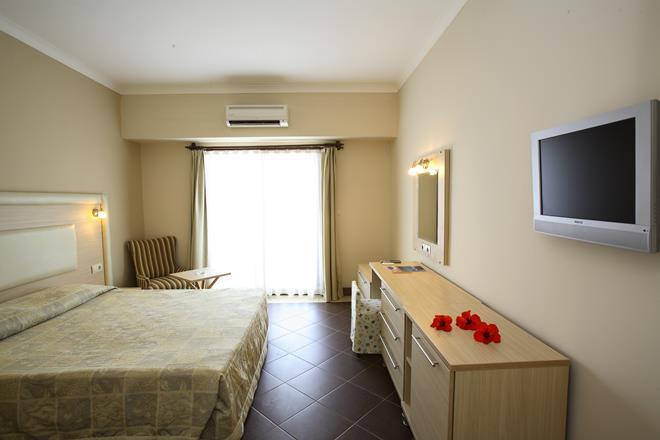 https://aventur.ro/assets/media/imagini_hoteluri/BOFORE/BOFORE-HotelPict8-11217.jpg
