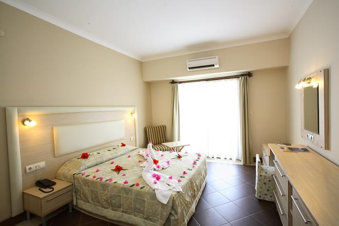 https://aventur.ro/assets/media/imagini_hoteluri/BOFORE/BOFORE-HotelPict9-11218.jpg