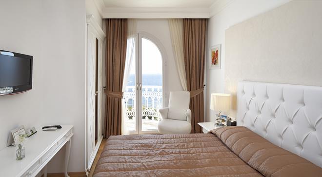 https://aventur.ro/assets/media/imagini_hoteluri/BOGARD/BOGARD-HotelPict13-11552.jpg