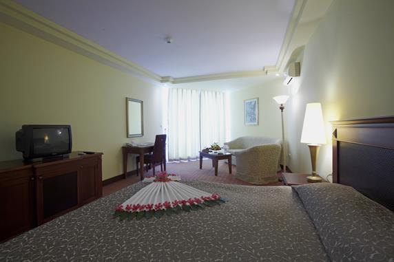 https://aventur.ro/assets/media/imagini_hoteluri/BOHOLR/BOHOLR-HotelPict5-18346.jpg