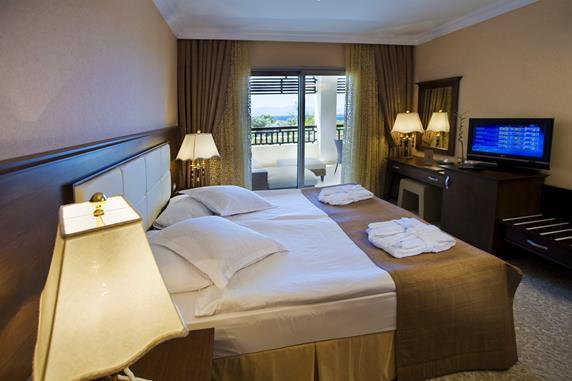 https://aventur.ro/assets/media/imagini_hoteluri/BOLATA/BOLATA-HotelPict8-20047.jpg