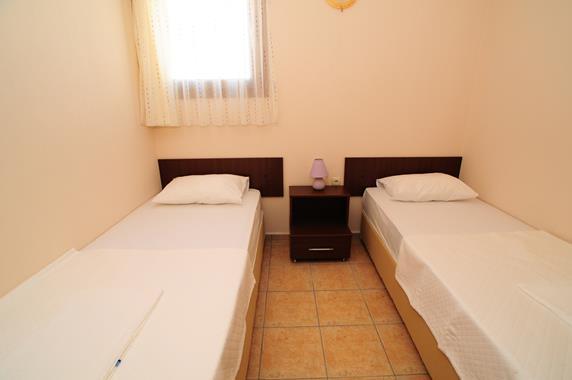 https://aventur.ro/assets/media/imagini_hoteluri/BOLEMO/BOLEMO-HotelPict7-20056.jpg