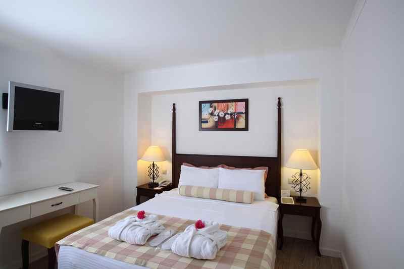 https://aventur.ro/assets/media/imagini_hoteluri/BOMARV/BOMARV-HotelPict7-23220.jpg