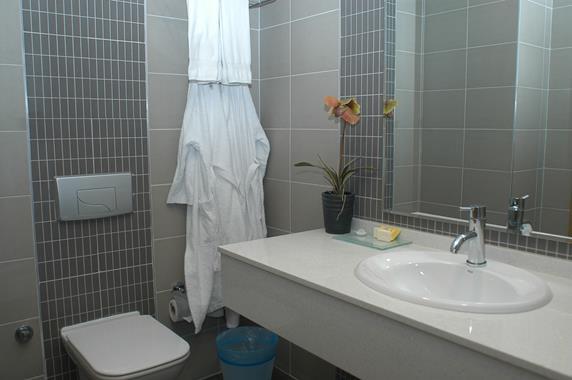 https://aventur.ro/assets/media/imagini_hoteluri/BOMAVI/BOMAVI-HotelPict9-20074.jpg