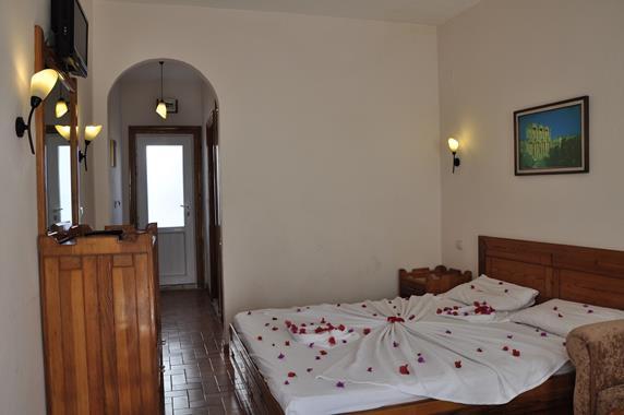 https://aventur.ro/assets/media/imagini_hoteluri/BONAGI/BONAGI-HotelPict4-20088.jpg