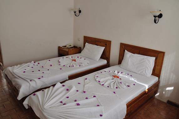 https://aventur.ro/assets/media/imagini_hoteluri/BONAGI/BONAGI-HotelPict5-20089.jpg