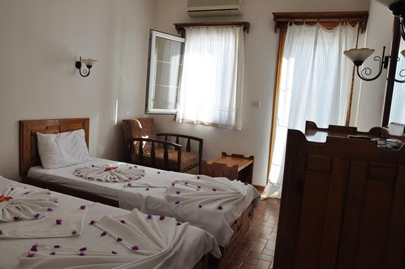 https://aventur.ro/assets/media/imagini_hoteluri/BONAGI/BONAGI-HotelPict6-20090.jpg