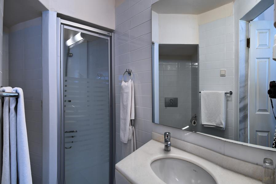 https://aventur.ro/assets/media/imagini_hoteluri/BOORAH/BOORAH-HotelPict10-21392.jpg