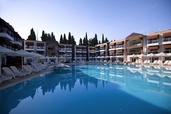 https://aventur.ro/assets/media/imagini_hoteluri/BORISA/BORISA-HotelPict3-22165.jpg