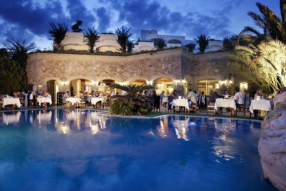 https://aventur.ro/assets/media/imagini_hoteluri/BOROYA/BOROYA-HotelPict13-22421.jpg