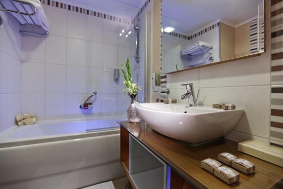 https://aventur.ro/assets/media/imagini_hoteluri/BOROYA/BOROYA-HotelPict22-22430.jpg