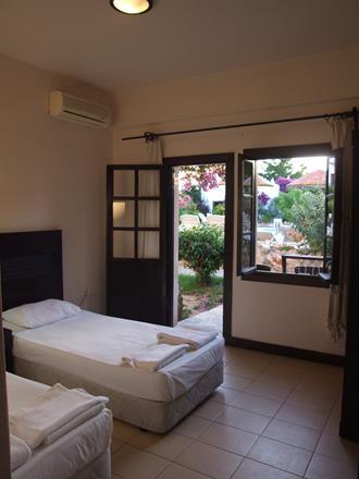 https://aventur.ro/assets/media/imagini_hoteluri/BOSAFI/BOSAFI-HotelPict5-11476.jpg