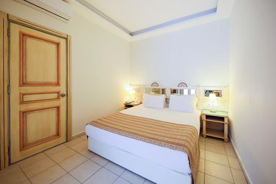 https://aventur.ro/assets/media/imagini_hoteluri/BOSALM/BOSALM-HotelPict7-22381.jpg