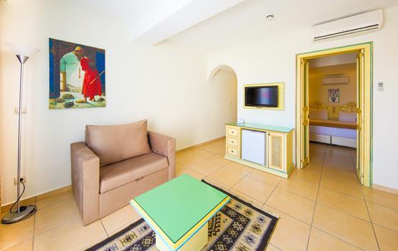 https://aventur.ro/assets/media/imagini_hoteluri/BOSALM/BOSALM-HotelPict8-22382.jpg