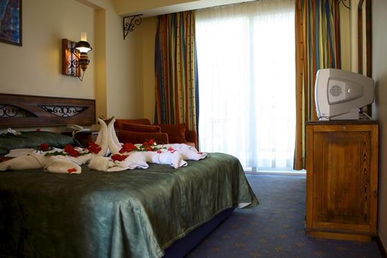 https://aventur.ro/assets/media/imagini_hoteluri/BOSAMB/BOSAMB-HotelPict12-22192.jpg