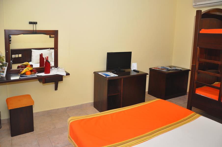 https://aventur.ro/assets/media/imagini_hoteluri/BOSERE/BOSERE-HotelPict9-20560.jpg