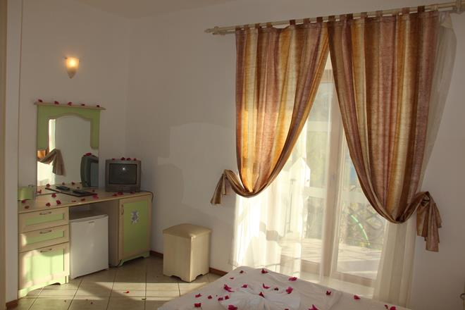 https://aventur.ro/assets/media/imagini_hoteluri/BOSERP/BOSERP-HotelPict6-11542.jpg