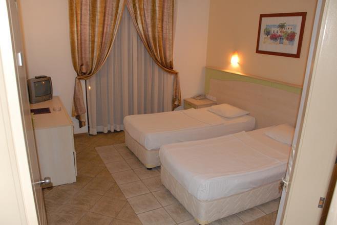 https://aventur.ro/assets/media/imagini_hoteluri/BOSERP/BOSERP-HotelPict9-11545.jpg