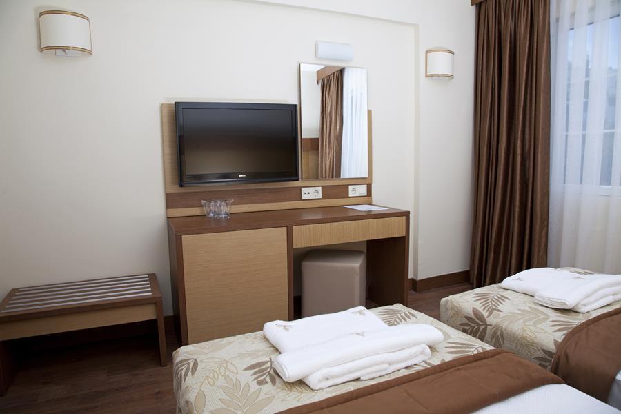 https://aventur.ro/assets/media/imagini_hoteluri/BOSUNC/BOSUNC-HotelPict4-20768.jpg