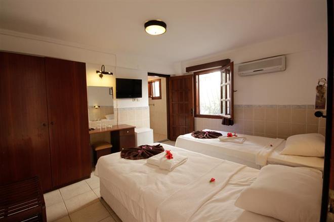 https://aventur.ro/assets/media/imagini_hoteluri/BOSUNS/BOSUNS-HotelPict13-11565.jpg