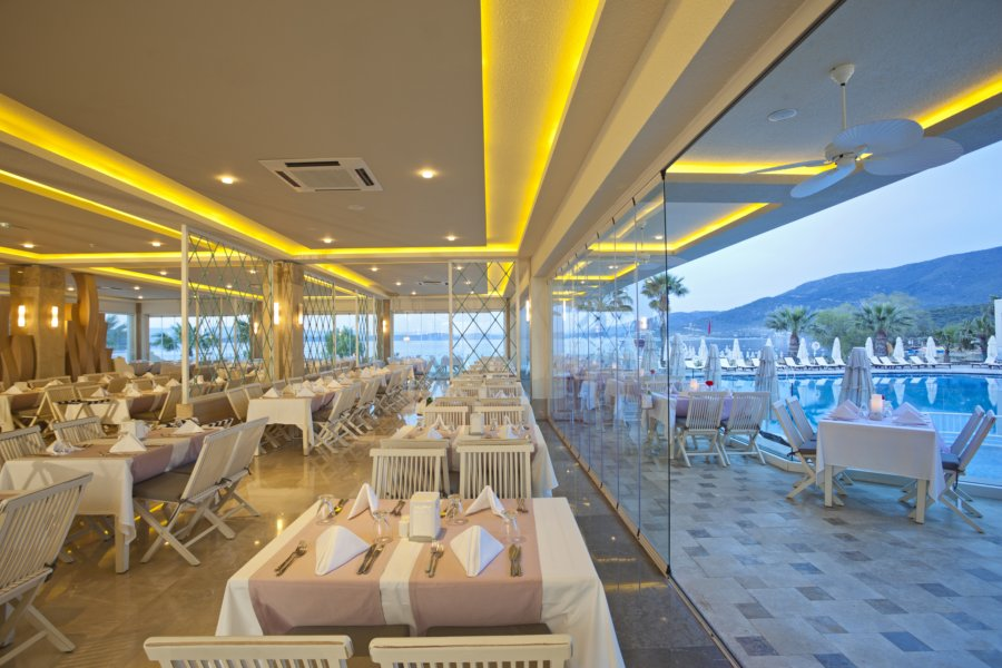 https://aventur.ro/assets/media/imagini_hoteluri/BOVOTO/Voyage-Torba-Ana-Restaurant-02.jpg