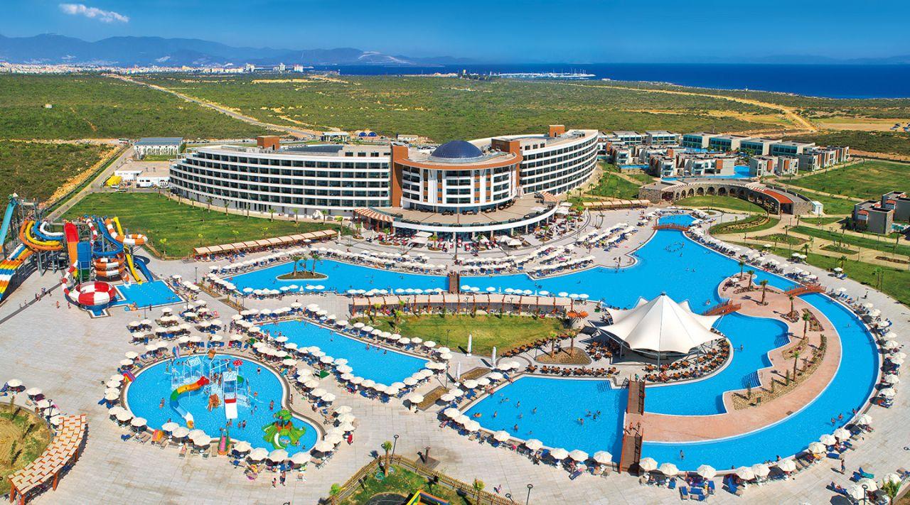 https://aventur.ro/assets/media/imagini_hoteluri/DIAQUA/aquasis-deluxe-resort--spa-otelimiz-5151.jpg