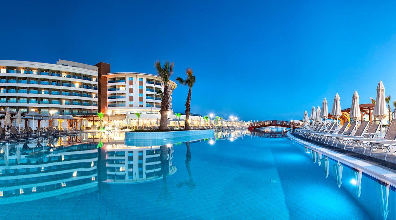 https://aventur.ro/assets/media/imagini_hoteluri/DIAQUA/aquasis-deluxe-resort--spa-otelimiz-707.jpg