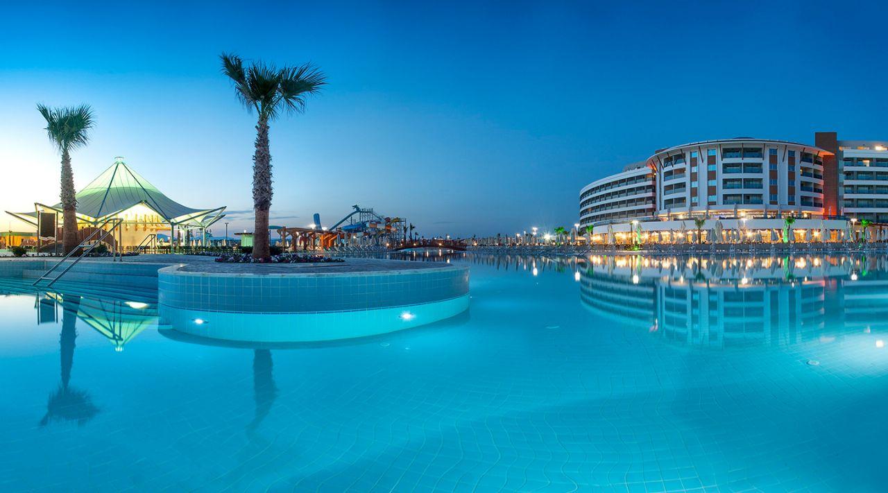 https://aventur.ro/assets/media/imagini_hoteluri/DIAQUA/aquasis-deluxe-resort--spa-otelimiz-948.jpg