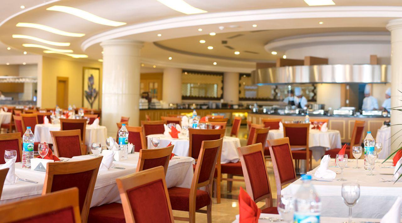 https://aventur.ro/assets/media/imagini_hoteluri/DIAQUA/aquasis-deluxe-resort--spa-restoran--608.jpg