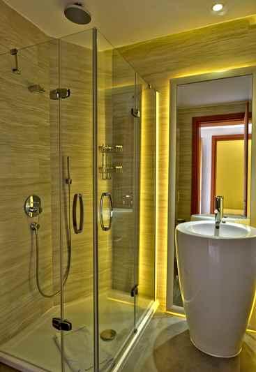 https://aventur.ro/assets/media/imagini_hoteluri/DIAURU/DIAURU-HotelPict7-22920.jpg