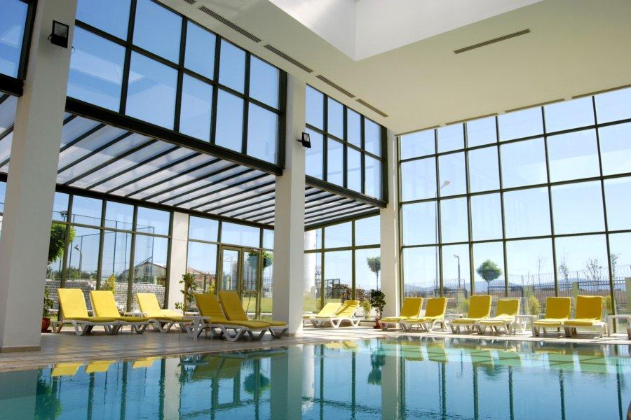 https://aventur.ro/assets/media/imagini_hoteluri/DIPALM/Palm_Wings_Beach_Spa_Didim_piscina_interioara.jpg