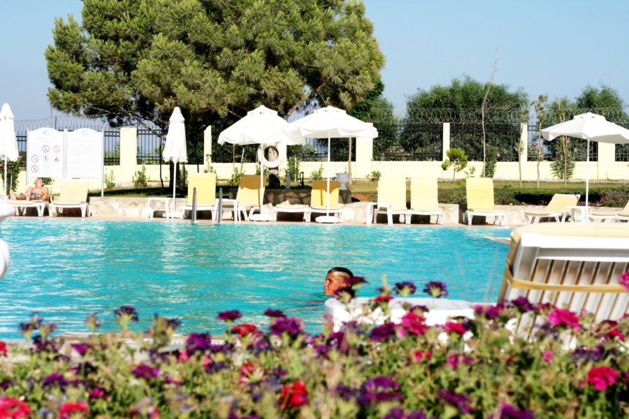 https://aventur.ro/assets/media/imagini_hoteluri/DIPALM/Palm_Wings_Beach_Spa_Didim_piscina_relaxare.jpg