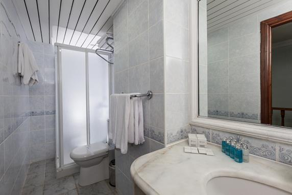 https://aventur.ro/assets/media/imagini_hoteluri/DITARH/DITARH-HotelPict8-17840.jpg