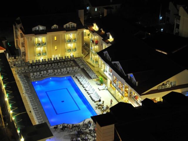 https://aventur.ro/assets/media/imagini_hoteluri/FTAES/FTAES-HotelPict8-2484.jpg