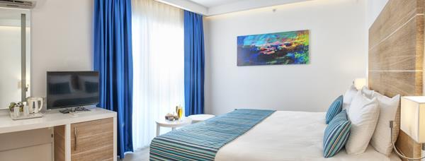 https://aventur.ro/assets/media/imagini_hoteluri/FTGARC/FTGARC-HotelPict9-16771.jpg