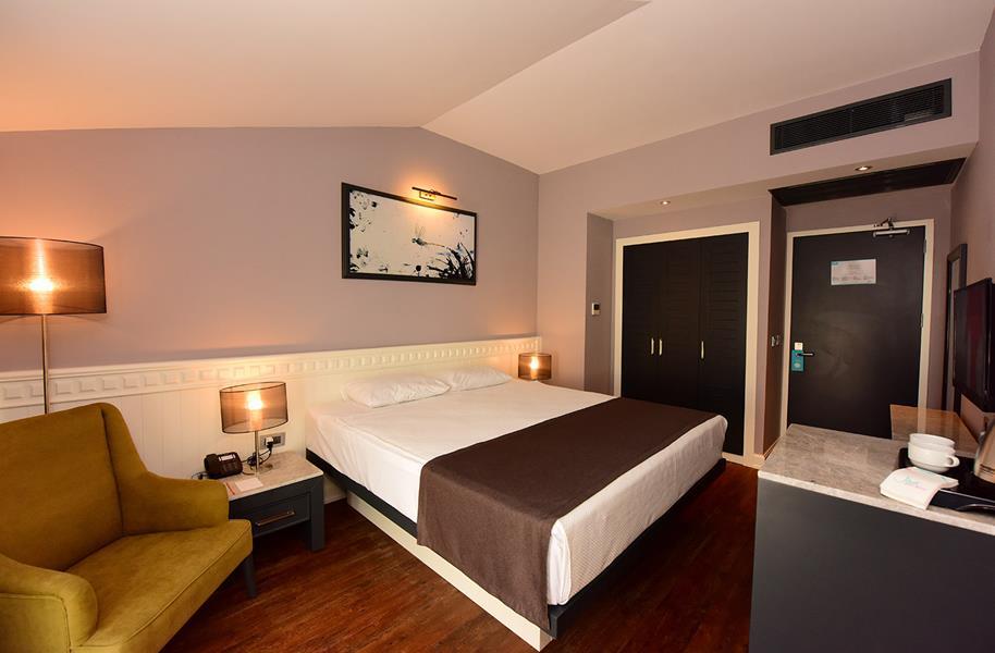 https://aventur.ro/assets/media/imagini_hoteluri/FTJIVA/FTJIVA-HotelPict4-20840.jpg