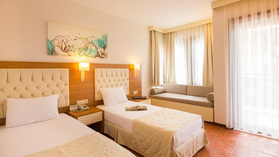 https://aventur.ro/assets/media/imagini_hoteluri/FTSUCI/FTSUCI-HotelPict6-20939.jpg