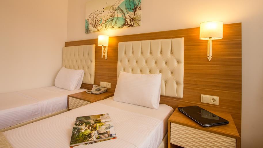 https://aventur.ro/assets/media/imagini_hoteluri/FTSUCI/FTSUCI-HotelPict7-20940.jpg