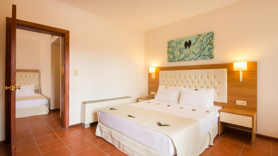 https://aventur.ro/assets/media/imagini_hoteluri/FTSUCI/FTSUCI-HotelPict9-20942.jpg