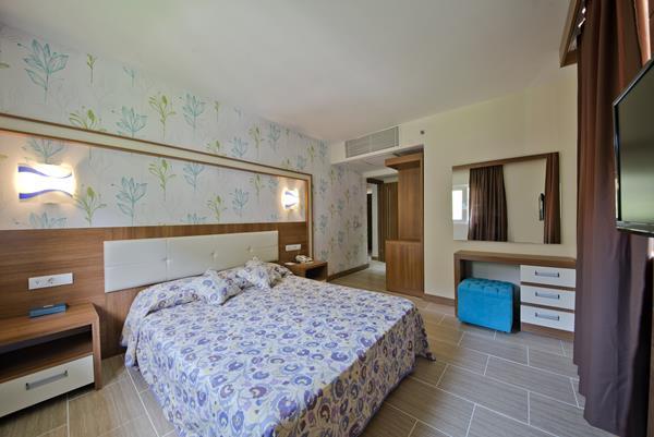 https://aventur.ro/assets/media/imagini_hoteluri/FTWORL/FTWORL-HotelPict18-15205.jpg