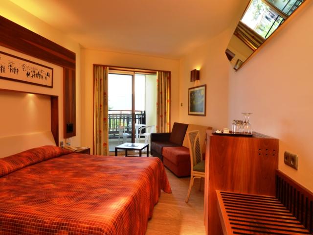 https://aventur.ro/assets/media/imagini_hoteluri/FTWORL/FTWORL-HotelPict5-2792.jpg