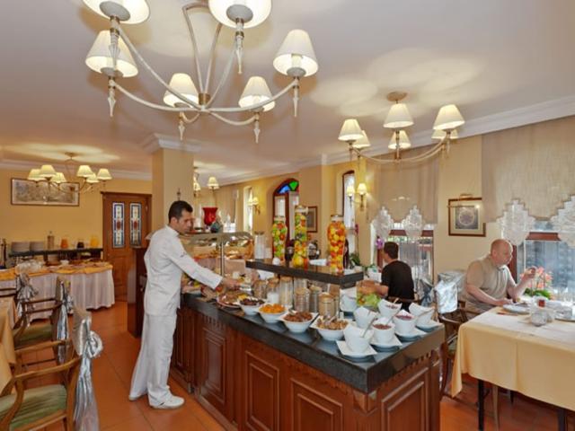 https://aventur.ro/assets/media/imagini_hoteluri/ISAREN/ISAREN-HotelPict6-6159.jpg