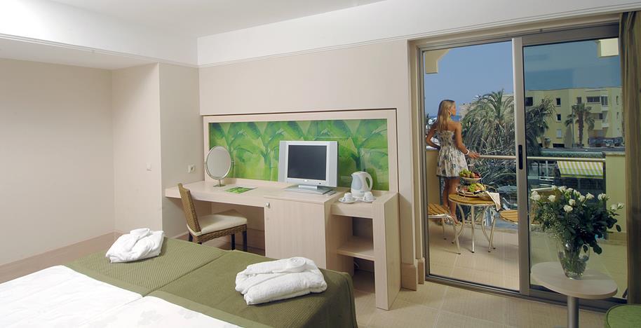 https://aventur.ro/assets/media/imagini_hoteluri/KEAMBA/KEAMBA-HotelPict9-21414.jpg